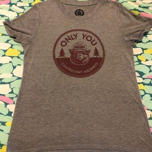Tops - Logo Tee Smokey the Bear